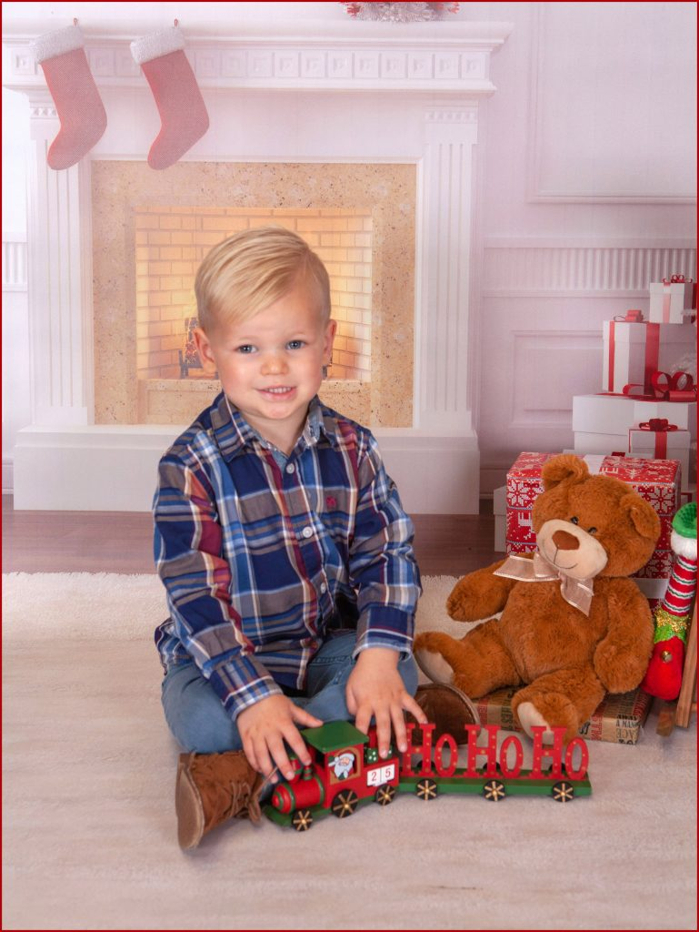 North East Children's Christmas Themed Photo shoot, Village Photography