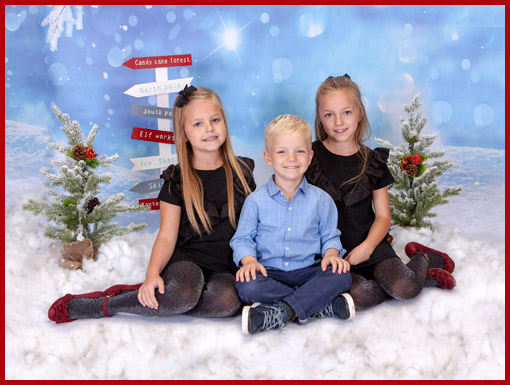 Newcastle Children's Christmas Themed Photo shoot, Village Photography